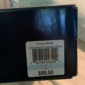 Vineyard Vines Shoes - Vineyard vines puzzle whale leather sandals